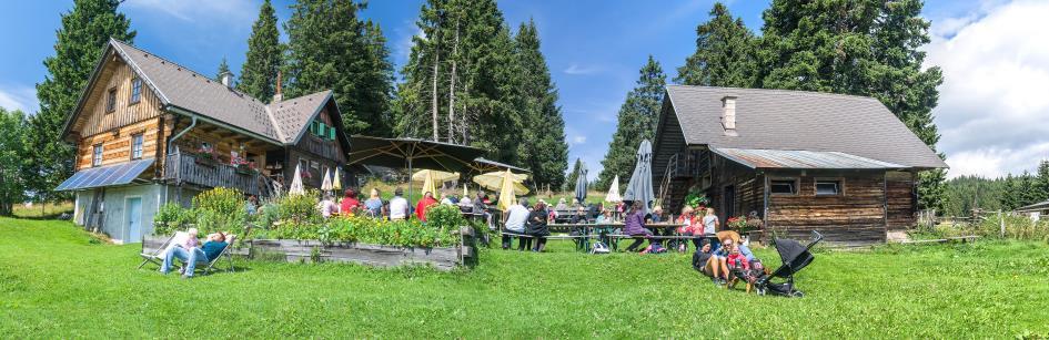 Die Steinberger Hütte auf der Koralm schenkt den Wieser-Qualitätswein aus.